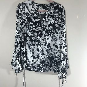 NEW Adrianna Papell black white floral bell blouse